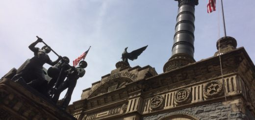 Soldiers and Sailors Monument from front